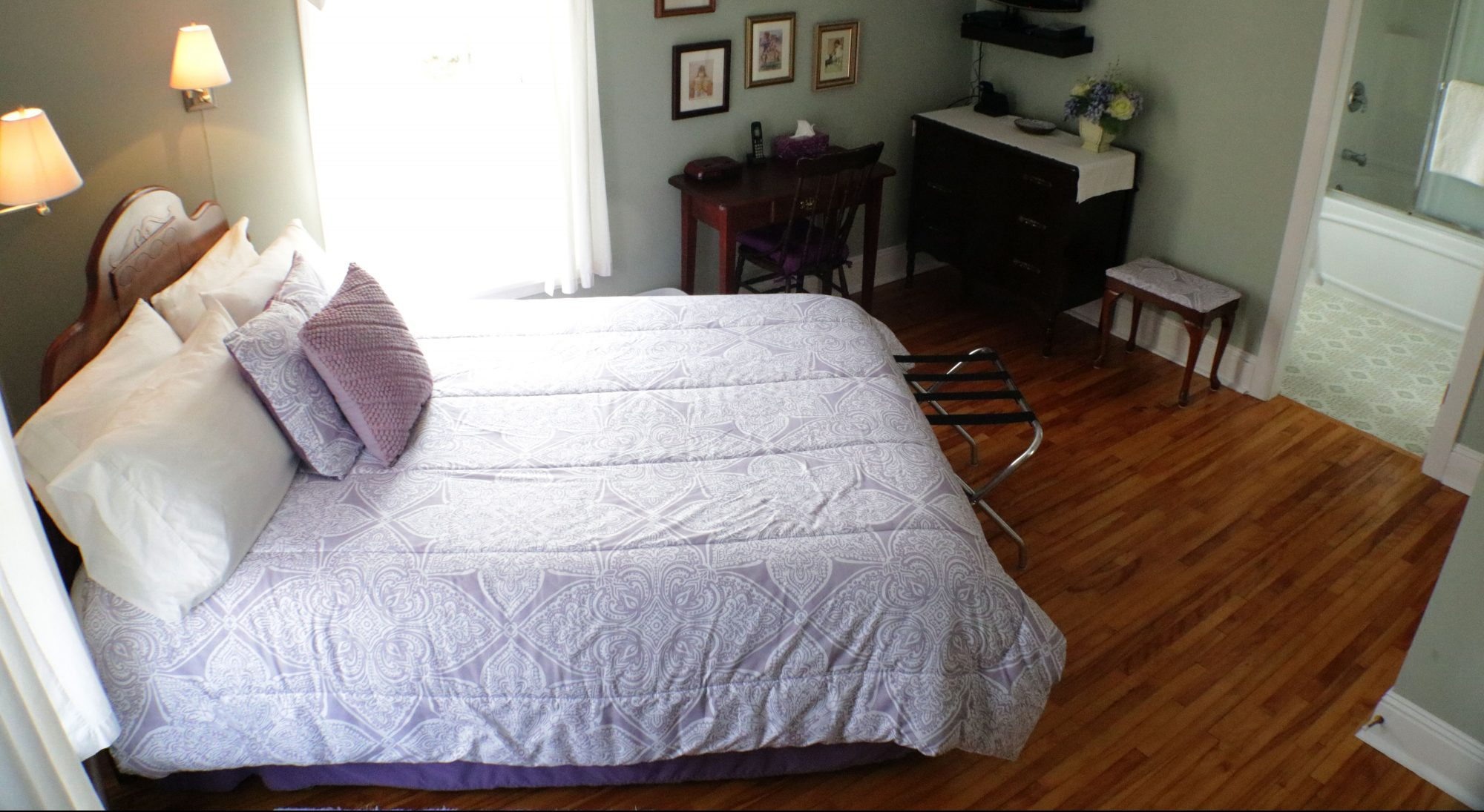 queen room standard queen 1