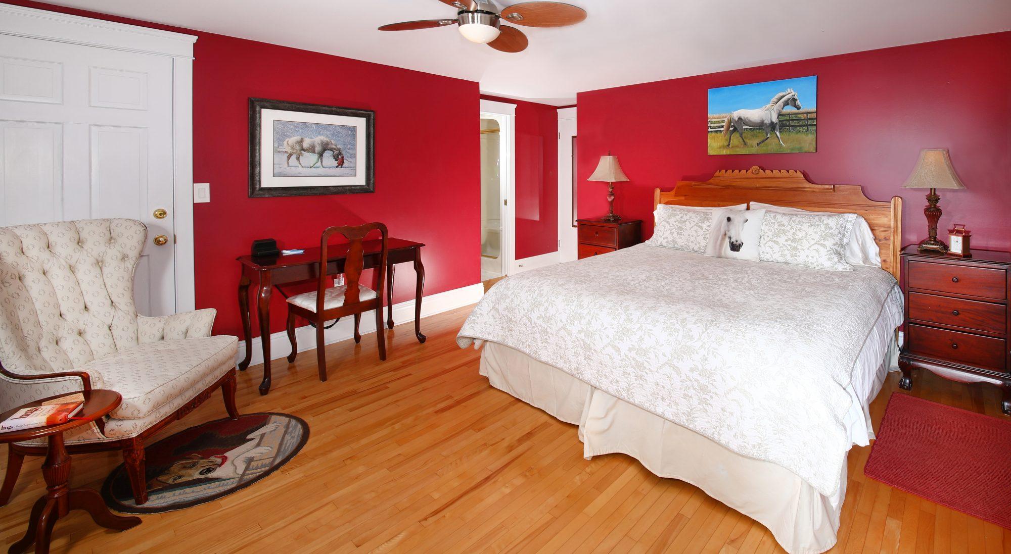PEI King Corner Suite